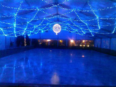 pista pattinaggio casate al via la pista di pattinaggio sul ghiaccio e il