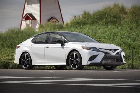 toyota camry 2018 white midsize sedan deathwatch 15 toyota camry is a market