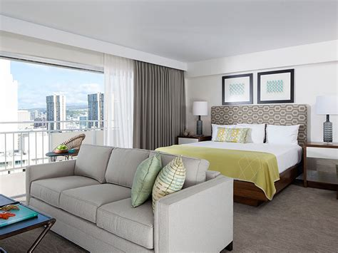 in suite waikiki hotel ilikai hotel luxury suites