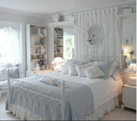 blue and white shabby chic bedroom 17 migliori idee su camere da letto shabby chic su