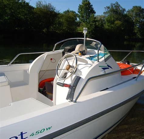 visboot met kajuit b2 marine 450 wa