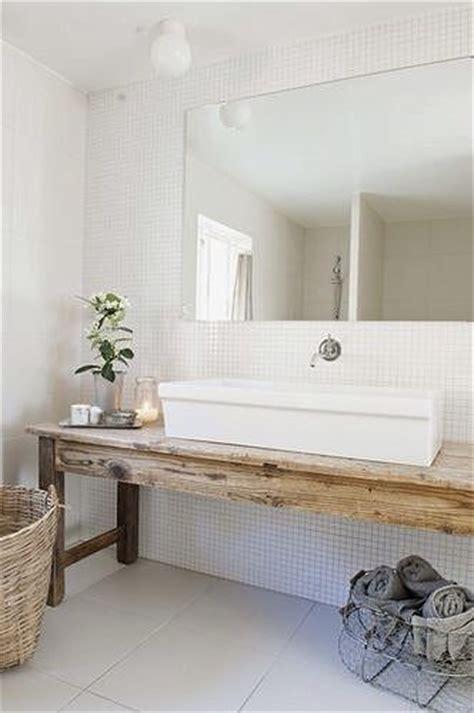 du bois dans la salle de bain cocon deco vie nomade