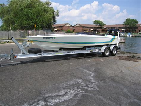 boat engine running rough 25 to 30 rough water v bottom running twin outboard
