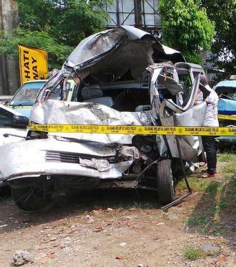 detiknews kecelakaan maut dul resmi tersangka dalam kecelakaan maut di tol jagorawi