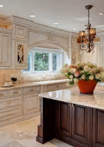 best light color for kitchen 25 best ideas about cream colored cabinets on pinterest cream kitchen cabinets cream
