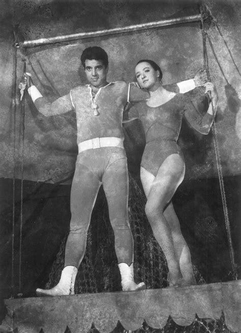Mera Naam Joker (1970) - Review, Star Cast, News, Photos