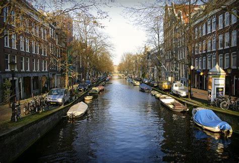 un giro romantico in barca ad amsterdam