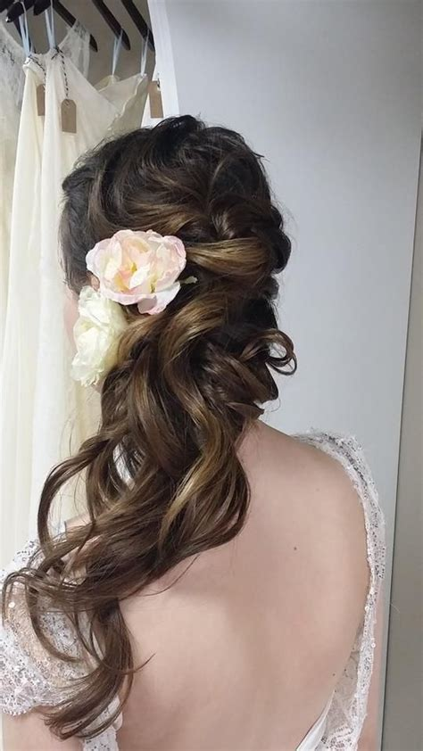 bridal hairstyles down to the side 332 best wedding hairstyles fryzury ślubne images on