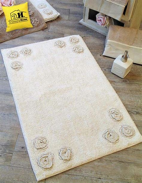 tappeto shabby chic oltre 25 fantastiche idee su bagno color crema su