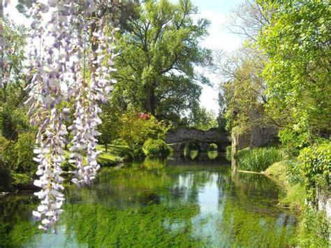 giardini ninfa alla scoperta giardino di ninfa il parco pi 249 bello d