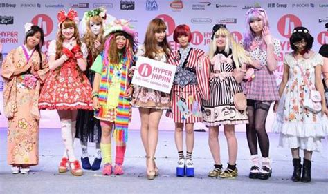 style guide influence of japan weird japanese fashions cat caf 233 s lolita hello kitty