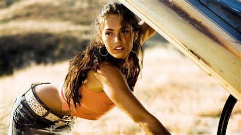 Film Hot Populer | top 6 sexiest megan fox movie scenes geekshizzle