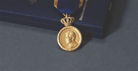 decorare regele mihai medalia regele mihai i pentru loialitate