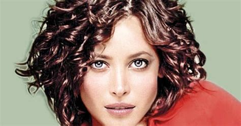 carefree curl short hairstyles top hairstyles models short curly hairstyles in carefree look
