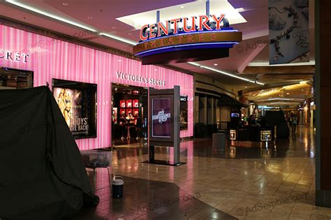 oakridge mall san jose map of stores oakridge mall screens shopping mall advertising by adsemble