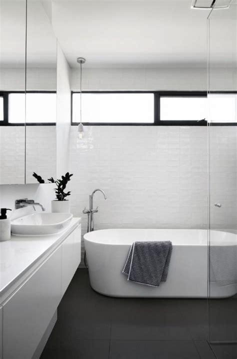 model jendela kamar mandi minimalis boven aluminium