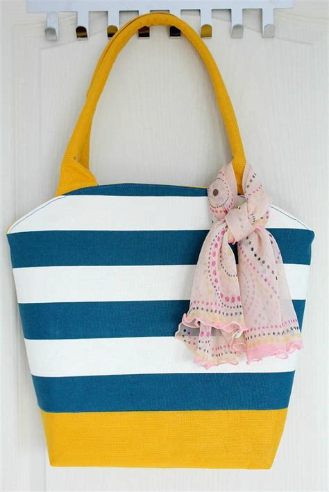 pattern large tote bag rounded tote bag pattern favecrafts com