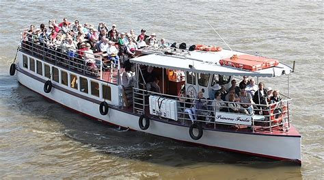 river thames boat nye thames boat cruises new years eve cruise
