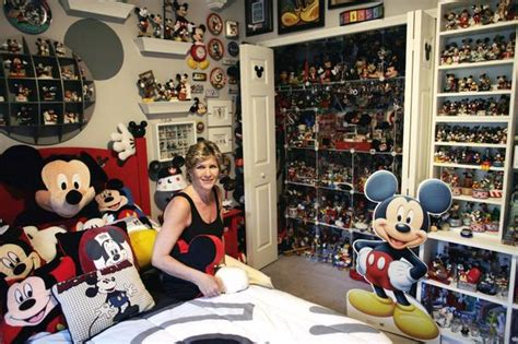 The Images Collection Of Mickey Largest Mickey Mouse Memorabilia Collection Janet Esteves