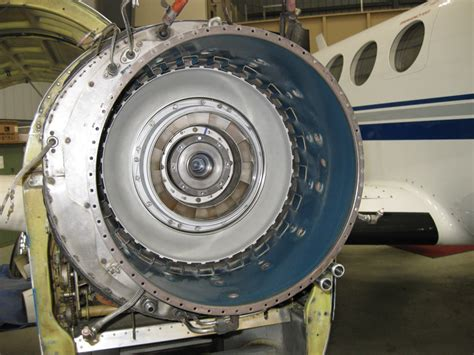pt6a turbine engine removal replacement system e47 avotek specialized engine propeller advancetech