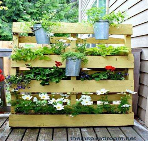 Wood Pallet Vertical Garden Recycled Wood Pallet Vertical Gardens Pallet Ideas