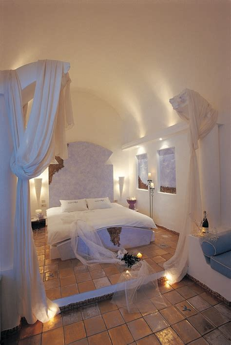 honeymoon getaway astarte suites santorini astarte suites hotel santorini greece santorini astarte suites hotel astarte suite pool universe of luxury