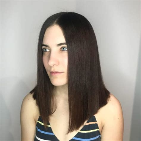 Women's Sleek Blunt Bob with Center Part and Black Color
