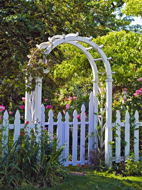 How To Design Arches And Pergolas Hgtv Garden Arches And Pergolas