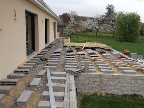 poser une terrasse en composite 3579 construction terrasse sur parpaing