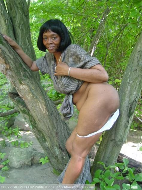 Black Granny Getting Naked Outdoors And Exp xxx dessert picture 4