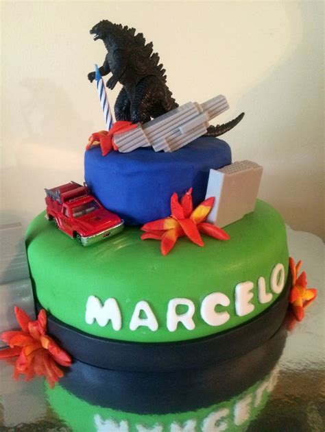 throw back king kong and godzilla cake birthday boy pinterest godzilla birthday cake party ideas pinterest