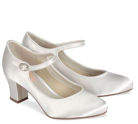 Winterhochzeit Schuhe by Kleiderfreuden Brautmode Bestellen Vintage