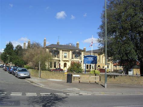 houses to buy in twickenham brinsworth house twickenham 169 stephen williams cc by sa 2 0 geograph britain and