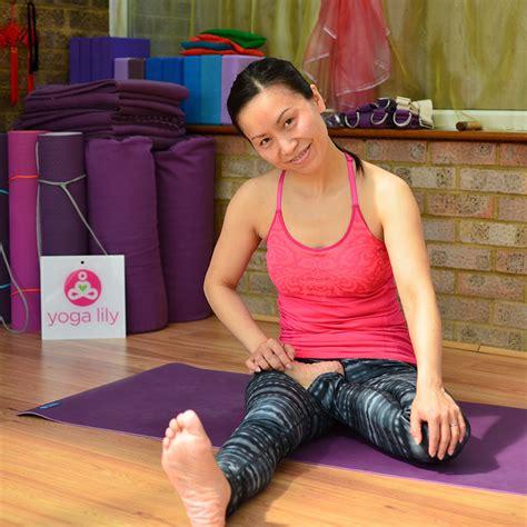 half lotus pose padmasana lotus posture how to do guide yogalily