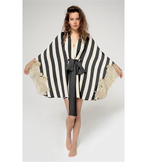 Dress Amori rosamosario amori inconsapevoli kimono in black lyst