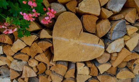 gestell f r brennholz brennholz lagern brennholz lagerung brennholz giessen