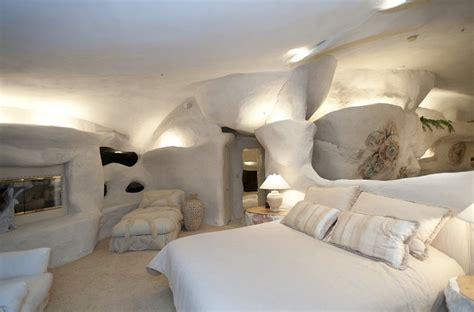 Cave Bedroom Ideas by Flintstone House Cave Like Interior Design Interior