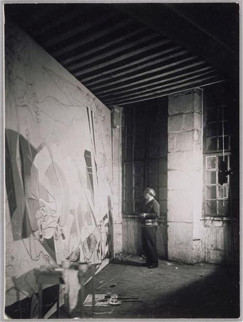 pablo picasso unfinished paintings picasso pintando el guernica arte