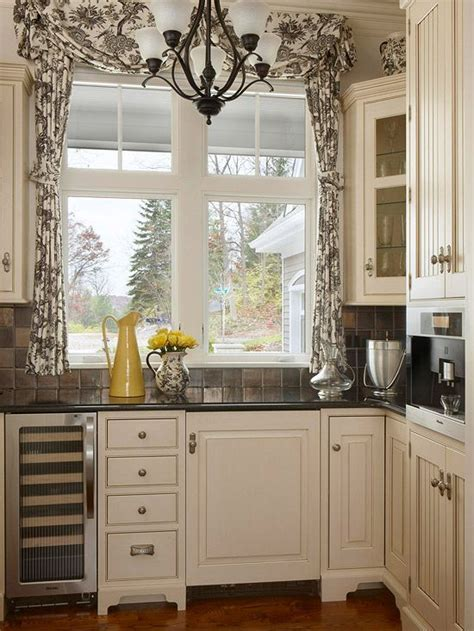 curtain kitchen window 19 inspiring kitchen window curtains mostbeautifulthings