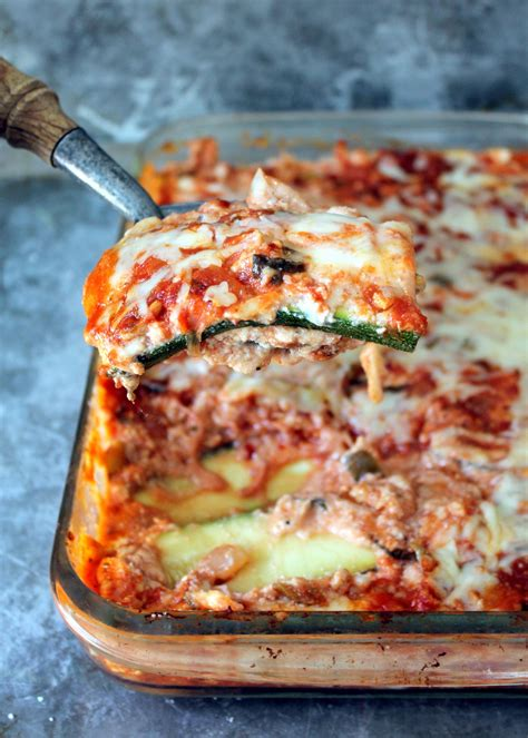 carbohydrates zucchini low carb zucchini lasagna with spicy turkey sauce