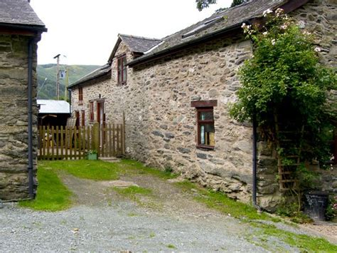 Welcome Cottages Wales by Graig Las Dogs Welcome Cottage Llangynog Powys Wales