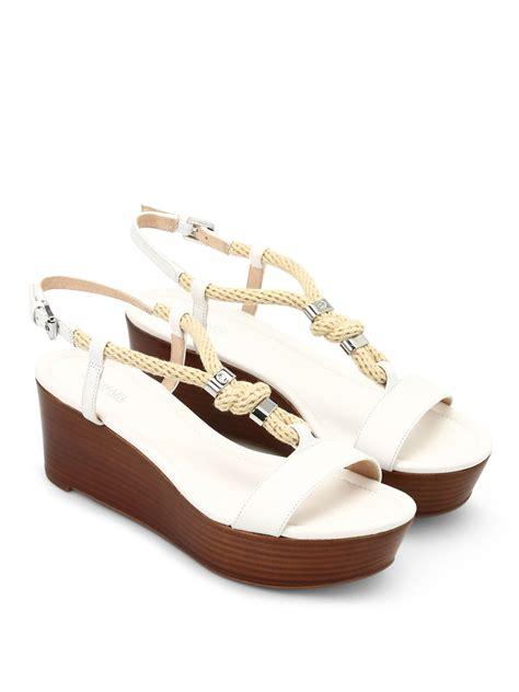 Sandal Wedges Wanita Mr92 031 wedge sandals by michael kors sandals ikrix