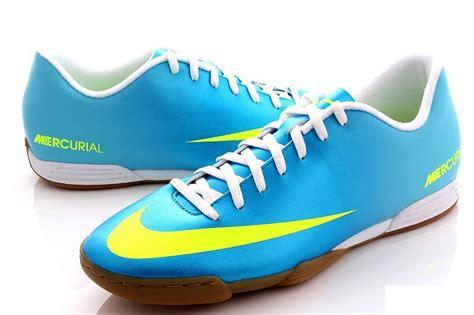 Sepatu Futsal Tinggi daftar dan harga sepatu futsal murah 2018 pusatreview