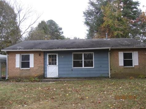2895 mayan ct winston salem nc 27101 foreclosed home