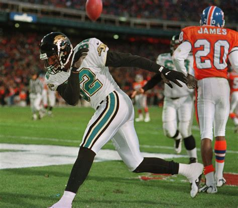 dolphins jaguars 62 7 the jags ex gators lead important rally in gainesville