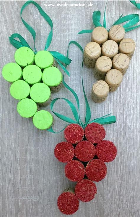 trauben anhaenger aus korken handmade kultur