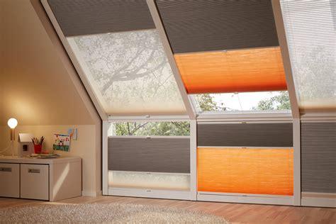 sonnenschutz schlafzimmer plissees dachfenster verdunkelung dachfenster lamellen