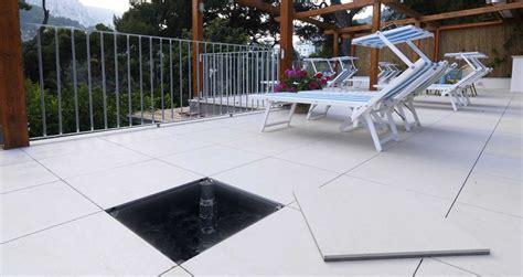 piastrelle galleggianti pavimenti sopraelevati da esterno marazzi