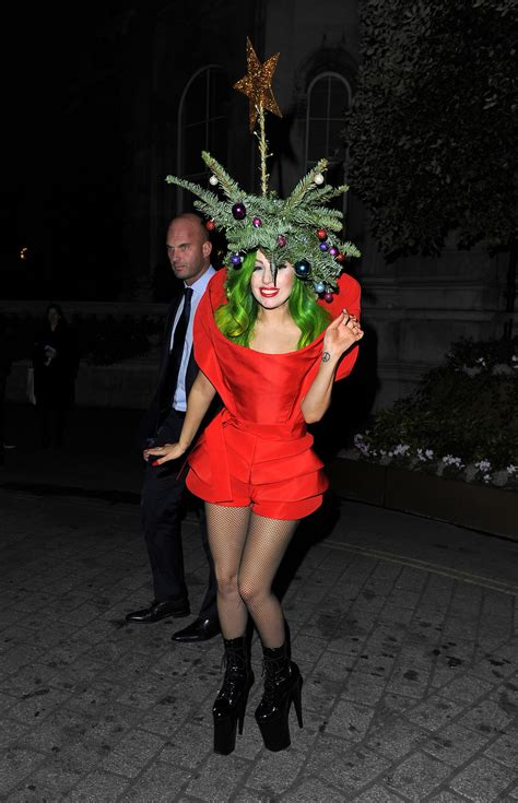 gaga christmas tree mp3 gaga in tree in in 2013 applause applause gaga s 28 most