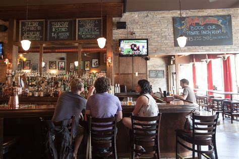 Top Sports Bars In Chicago by Bars Chicago Bars Reviews Bar Events Time Out Chicago